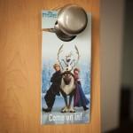 Colgador de picaporte de Frozen, podrás decorar tu cuarto con el